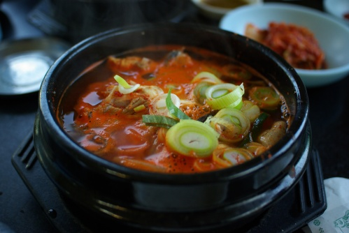 korean_soup-bogeo_haejangguk-01